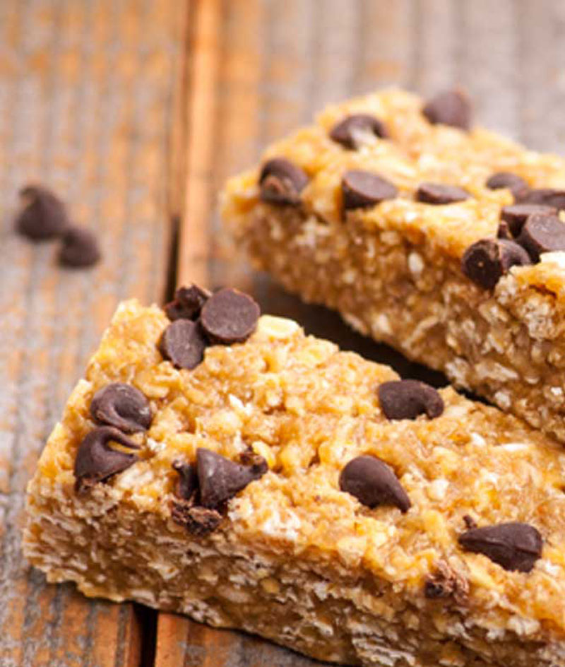Chewy-Oat-and-Fruit-Granola-Bars