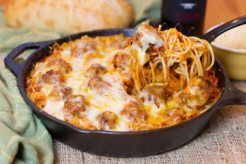 BAKED-SPAGHETTI-AND-MEATBALLS
