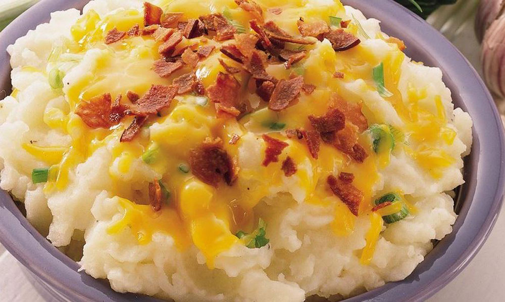 Bacon-And-Cheddar-Mashed-Potatoes