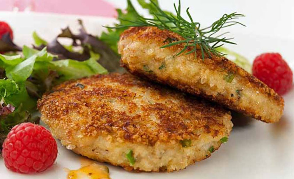 Crab-Cakes-with-Lemon-Dill-Yogurt-Sauce