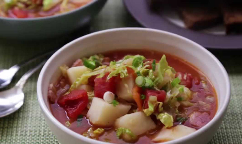 Irish-Bacon-And-Cabbage-Soup