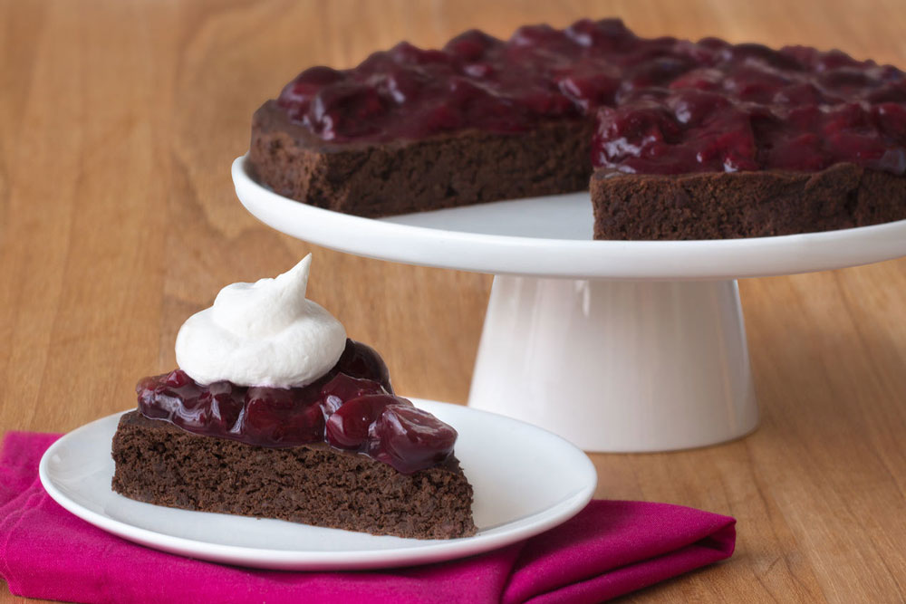 Low-Calorie-Flourless-Black-Forest-Cake