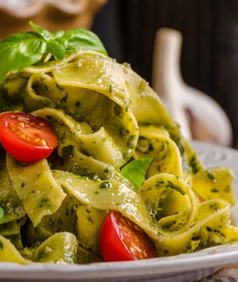 Pasta-with-spinach-pesto