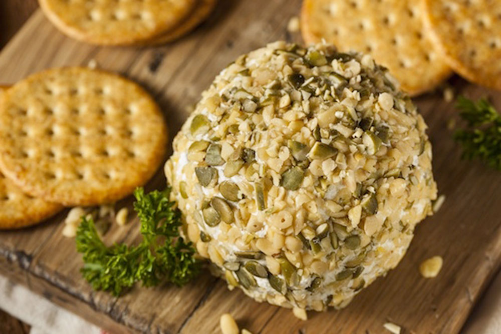 Homemade-Cheeseball-with-Nuts-&-Crackers