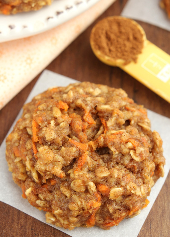 oatmeal-raisin-cookies-with-zucchini-and-carrots