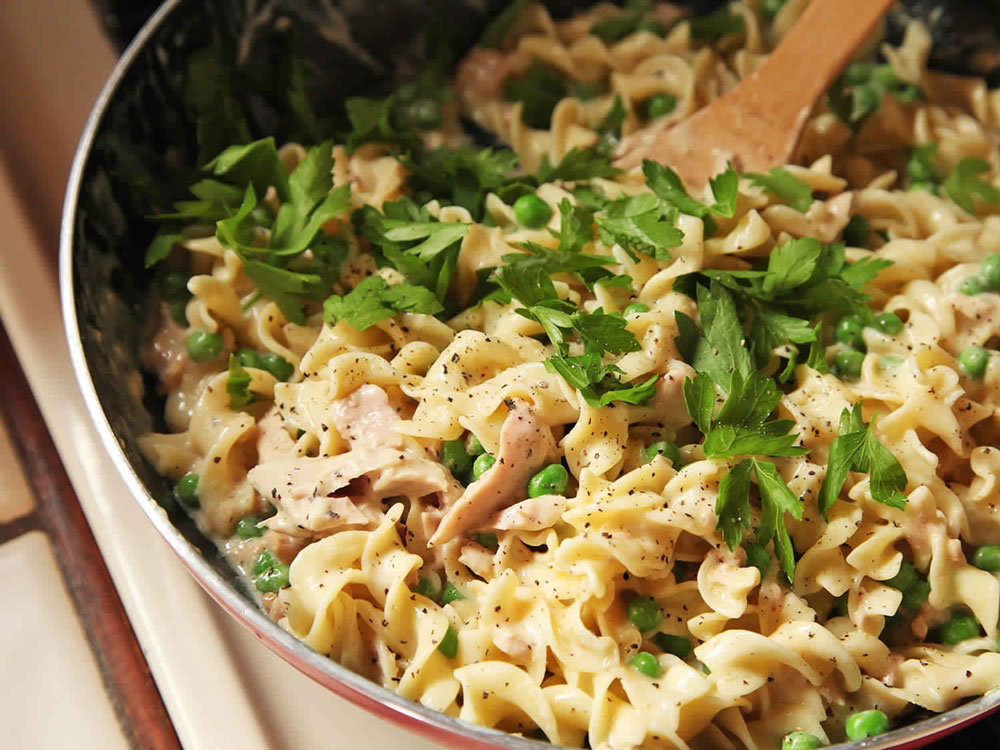 Easy-One-Pot,-No-Knife,-Lighter-Tuna-Noodle-Casserole