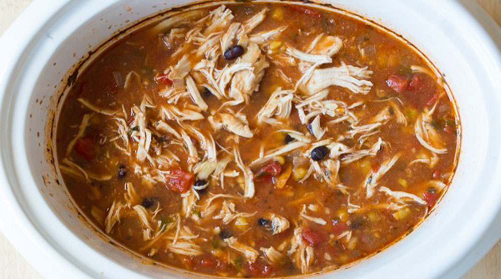 Slow-Cooker-Skinny-Chicken-Enchilada-Soup