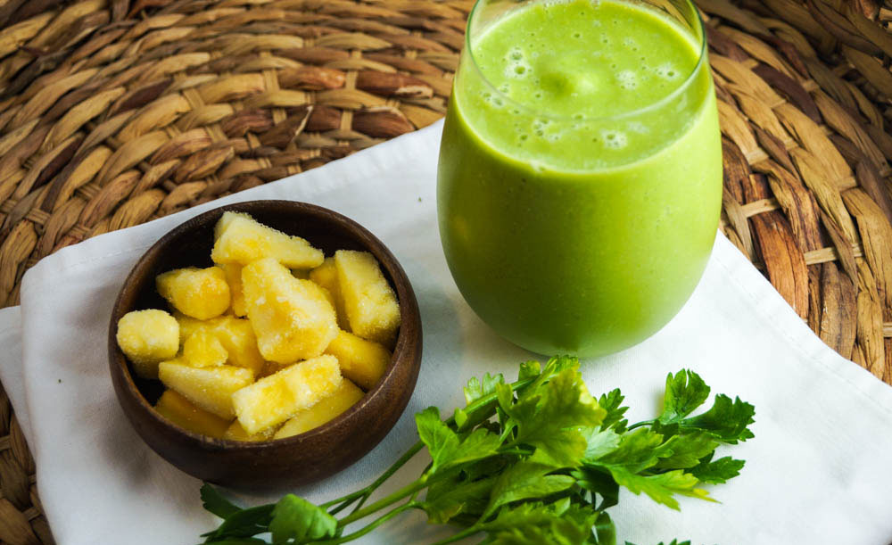 parsley-pineapple-green-smoothie