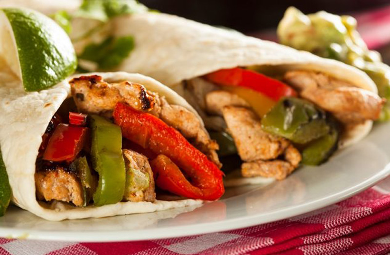 EASY-HEALTHY-CHICKEN-FAJITAS