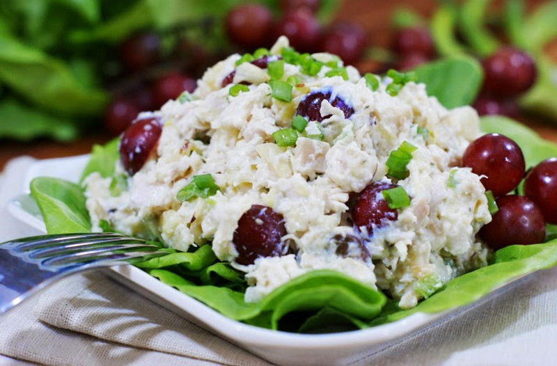 Famous-Chicken-Salad-with-Grapes