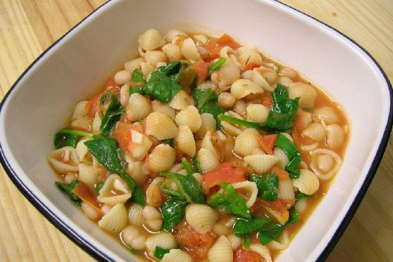 Tuscan-White-Bean-&-Spinach-Soup