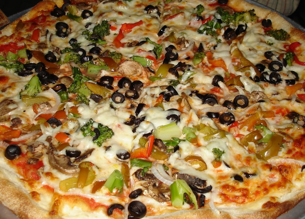 Black-Bean-Nacho-Pizza