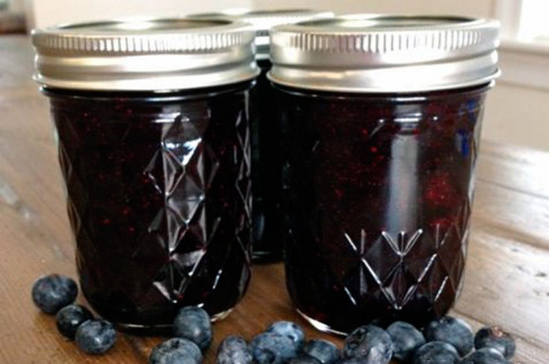 Clean-Eating-Blueberry-Jam