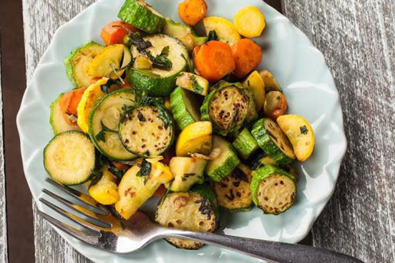 Amazing-Healthy-Herb-Roasted-Zucchini-and-Carrots