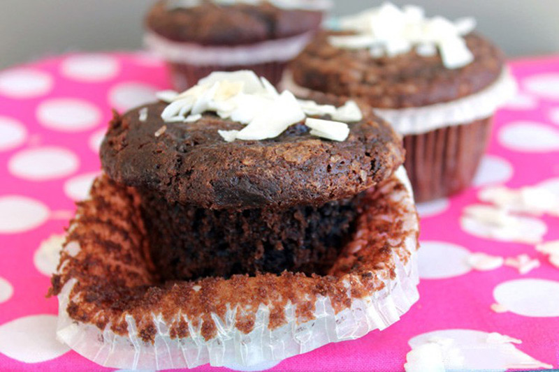 Clean-Eating-Chocolate-Coconut-Muffins