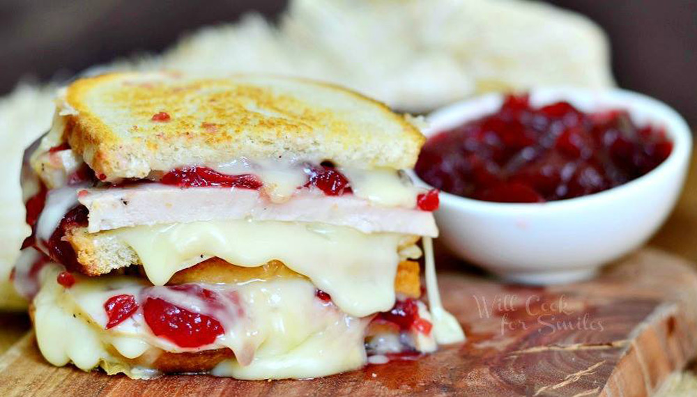 BRIE,-APPLE-AND-CRANBERRY-GRILLED-CHEESE