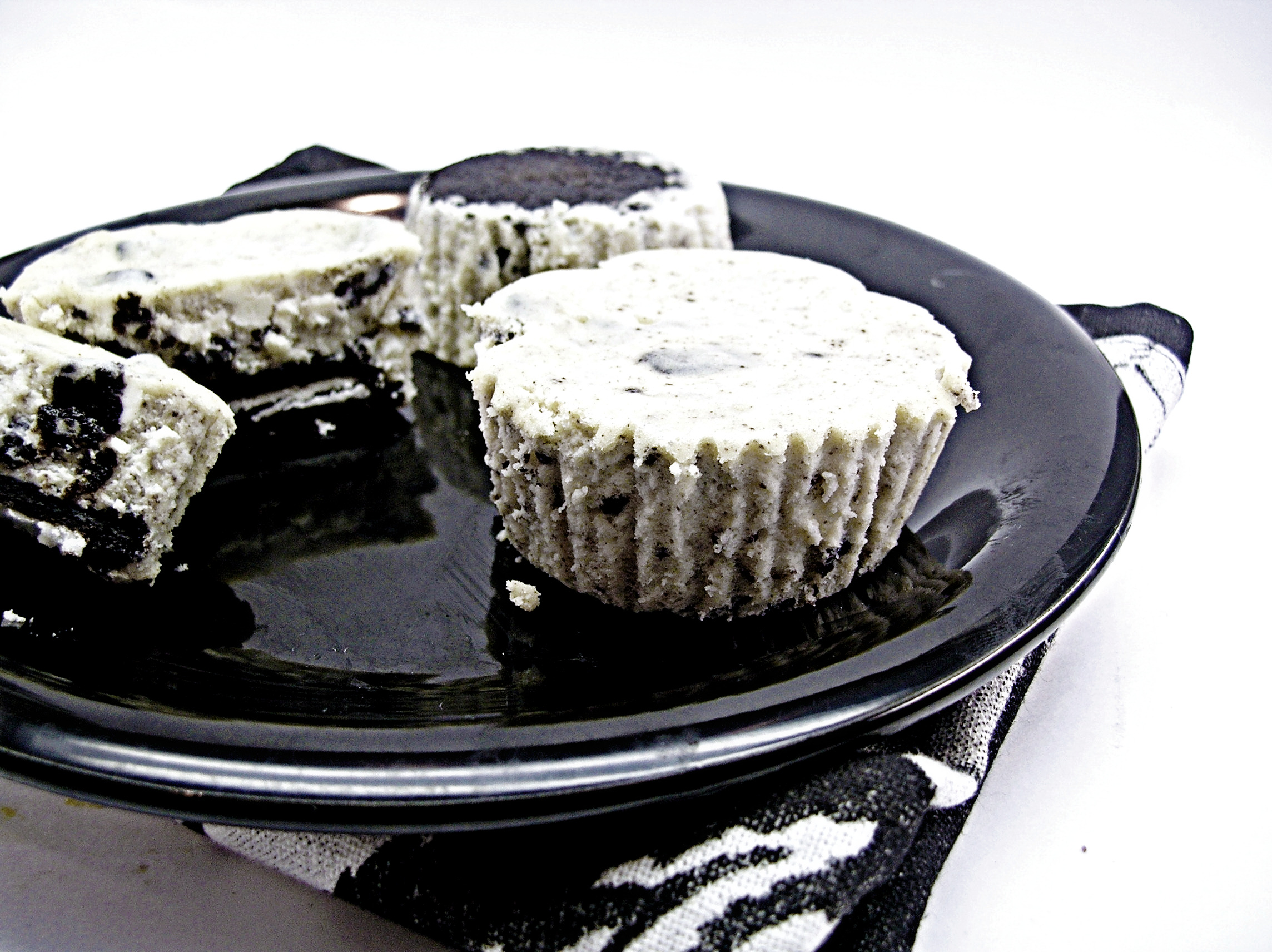 cookies-and-cream-cheesecakes