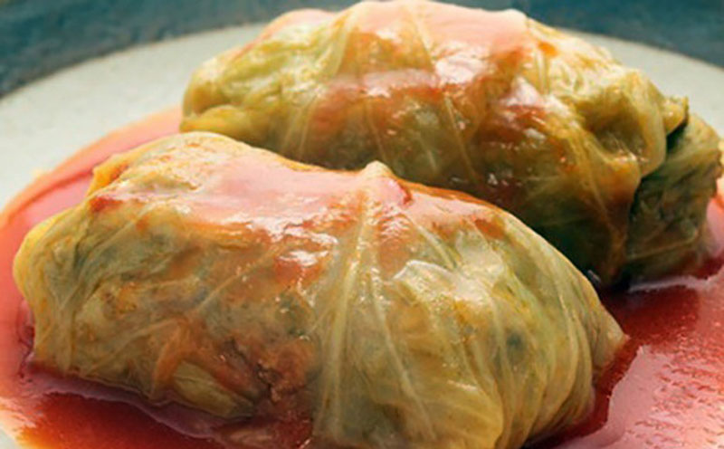slow-cooker-stuffed-cabbage-rolls