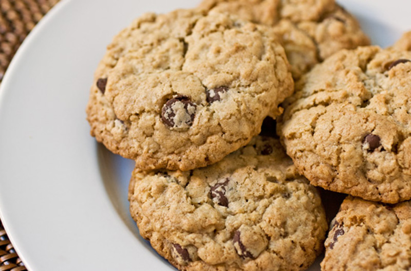 chewy-chocolate-chip-oatmeal-cookies