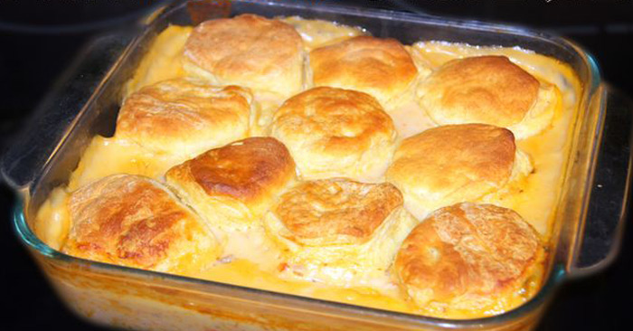 creamed-chicken-and-biscuits