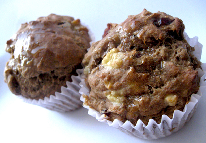 healthy-banana-cranberry-muffins